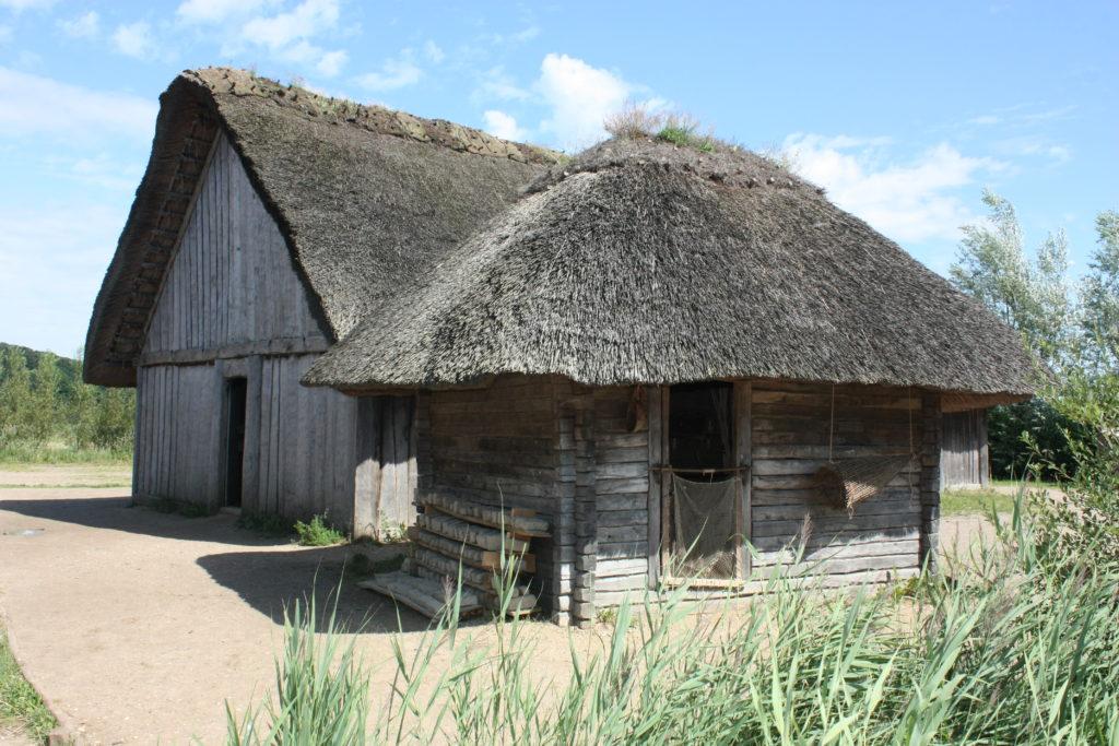Rekonstruiertes Wikingerdorf an der Schlei