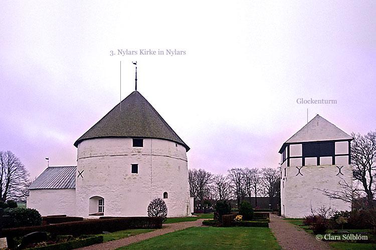 Die präsente Nylars Rundkirche auf Bornholm