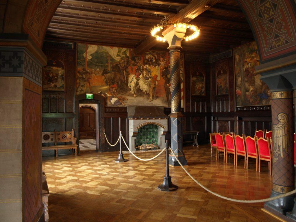 Kemenate auf Schloss Burg heiraten