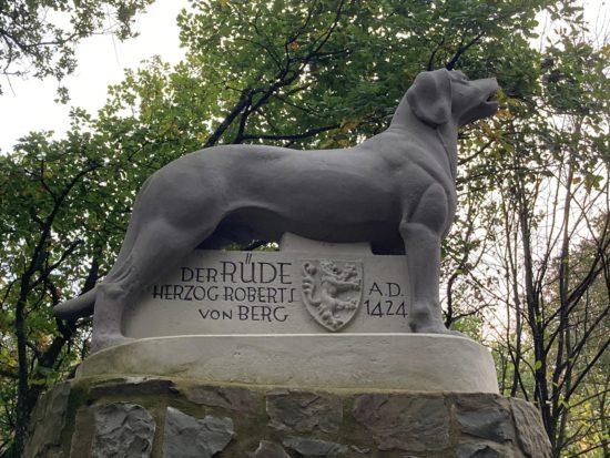 Der Rüdenstein – tierische Treue im Mittelalter